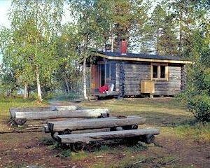 Kolmosjoki Eräkämppä